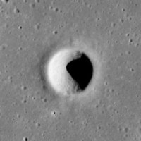 Hornsby crater AS15-M-0408.jpg