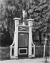 houten tuinpoort met het beeld van een engel met blazoen - koog aan de zaan - 20126811 - rce