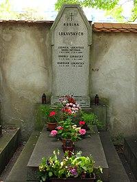 Hrob Radovana Lukavského.jpg