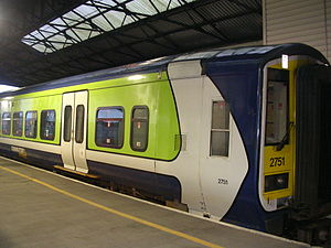 Diesel multiple unit - DMU 2751 in Limerick Colbert station, 2006