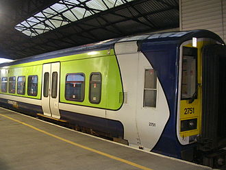 Diesel multiple unit - Iarnród Éireann DMU 2751 at Limerick Colbert station, 2006