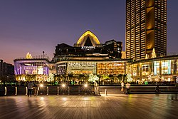 Iconsiam at Night (II).jpg