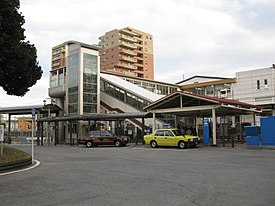 JRCentral-Tokaido-main-line-Yaizu-station-north-entrance-20101215.jpg