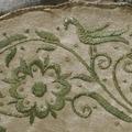 Jaktväska av sämskat skinn, broderad med silver och guldtråd, 1700-tal - Skoklosters slott - 76508.tif