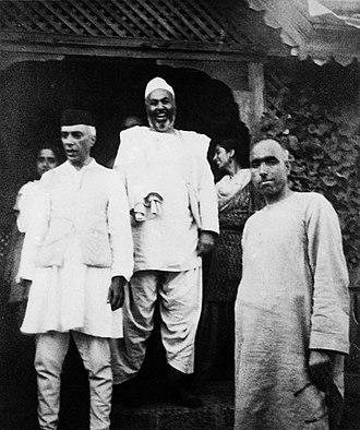 Abdul Samad Khan Achakzai - Khan with Jawaharlal Nehru and Sheikh Abdullah in 1946.
