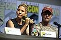 Jenna Elfman & Garret Dillahunt (43642977041).jpg