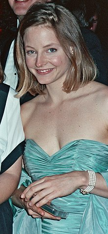 Jodie Foster at the 1989 Academy Awards.jpg