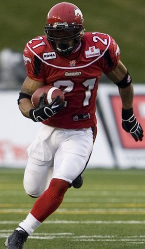 Joffrey Reynolds - Reynolds running the ball against the Montreal Alouettes in 2007.