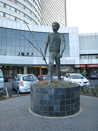"""John Ross House (Durban, South Africa) - Statue of """"John Ross"""" at John Ross House, Durban"""