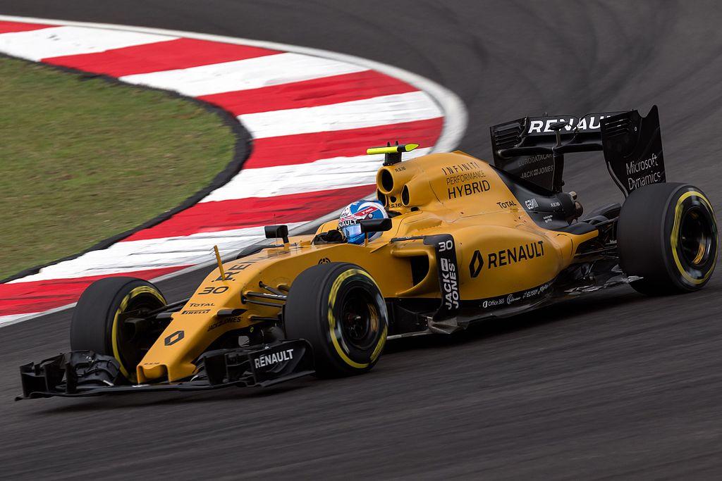 Jolyon Palmer 2016 Malaysia Q1.jpg