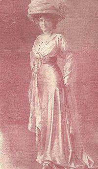Julia Barthet dans le rôle de Thérèse Courtin.jpg