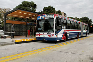 Metrobus (Buenos Aires) - Articulated bus at a Juan B. Justo Line station.