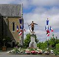 Juvigné (53) Monument aux morts.JPG