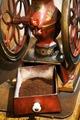 Kaffekvarn. Närbild stående - Hallwylska museet - 86279.tif