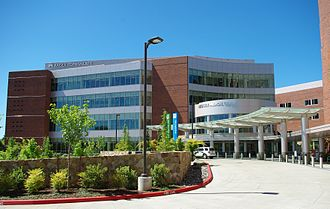 Kaiser Westside Medical Center - Main entrance