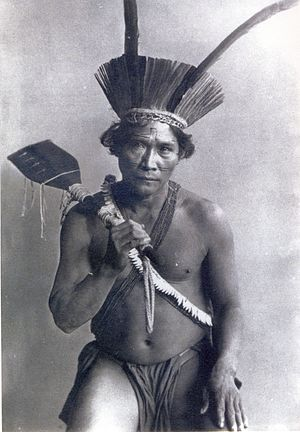 Kalina people - Kali'na man in Paris in 1892 holding a putu, or wooden club.