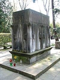 Karol Świerczewski grób.JPG