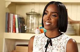 Kelly Rowland Encourages Fam Cooking.jpg