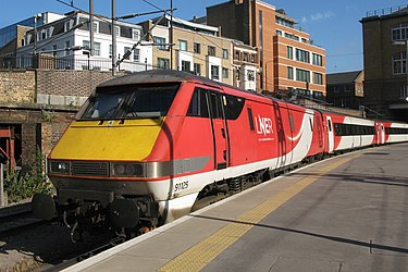 British Class 91 Kings Cross - LNER 91125 ecs.JPG