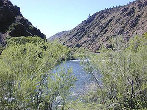 Klamath River in the high desert country of No...