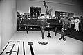 Klaverilõhkumise performance Tallinna Kunstihoones 89 (01).jpg