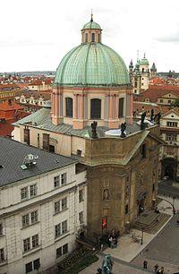 Kostel sv Frantiska Serafinskeho.jpg