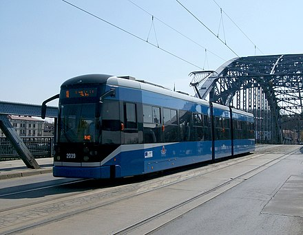 Bombardier city tram on Pilsudski Bridge Krakow, tram NGT6-2 ndeg2039.JPG