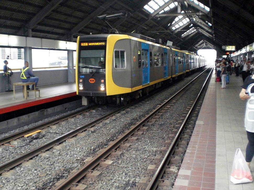 LRT-1 Blumentritt 2011