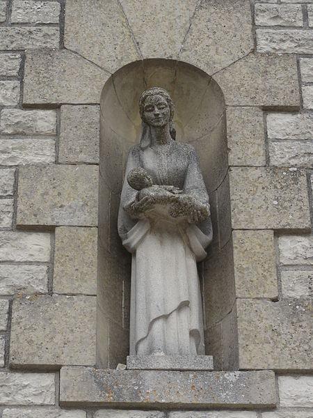 La Malmaison (Aisne) église (03) statue sur la façade