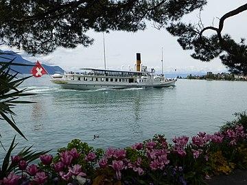 La Suisse steam boat leaving Montreux.jpg
