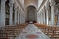 La nef de la cathédrale San Lorenzo (Viterbe, Italie) (40888622735).jpg