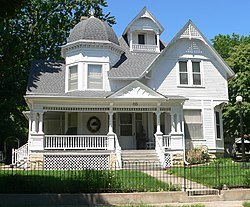Lake Bridenthal house from E 1.JPG