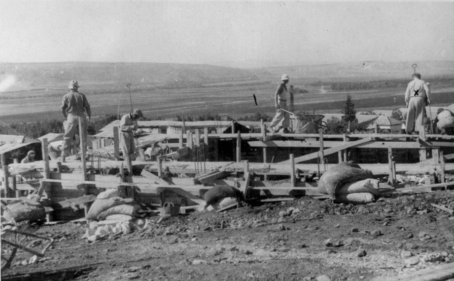 Laying foundations for Ein Harod Museum 1947