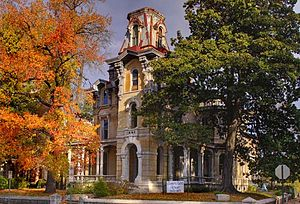 Victorian Village, Memphis - Image: Lee House in fall email