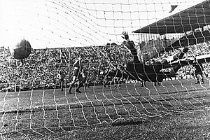 Liedholm goal Sweden vs Mexico WC 1958.jpg