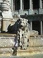 Lion et blason de Paris, Fontaine Saint-Sulpice.jpg