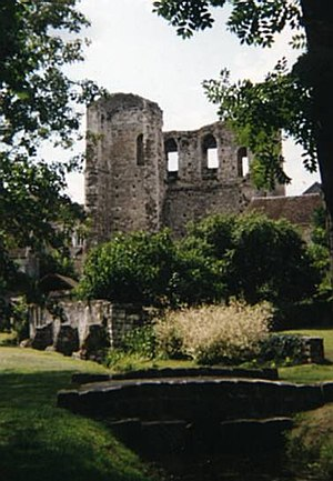 Grez-sur-Loing - Ruins of the Tour de Ganne