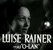 Luise Rainer in The Good Earth trailer.jpg