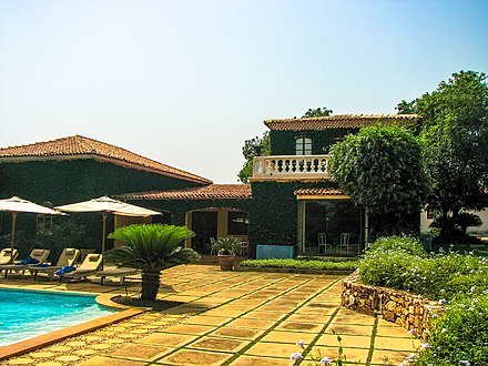 A villa in East Ridge Luxury Villa House (South Ghana).jpg