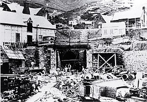 Edward Richardson - Lyttelton portal of the Lyttelton Rail Tunnel with construction workers in 1867