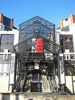 Médiathèque Jacques-Demy 2.JPG