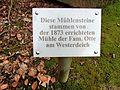 Mühlensteine Westerdeich Fam. Otte Altenwerder (2).jpg