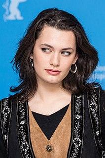 Ella Rumpf French actress