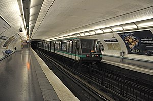 MP 89 - MP 89 CC departing from Mouton-Duvernet on Paris Métro Line 4.