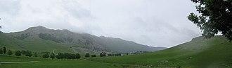 Aizkorri - The Aizkorri range from the Urbia meadows