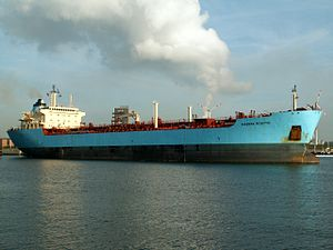 Maersk Rosyth coming out of the Berendrecht lock, Antwerp, Belgium 13-Sep-2005.jpg
