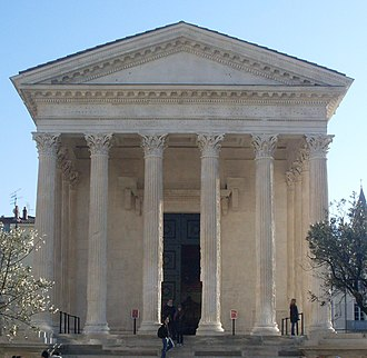 Maison Carrée - Front view