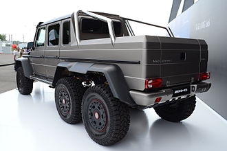 Six-wheel drive - Mercedes-Benz G63 AMG 6x6 with twin rear axles