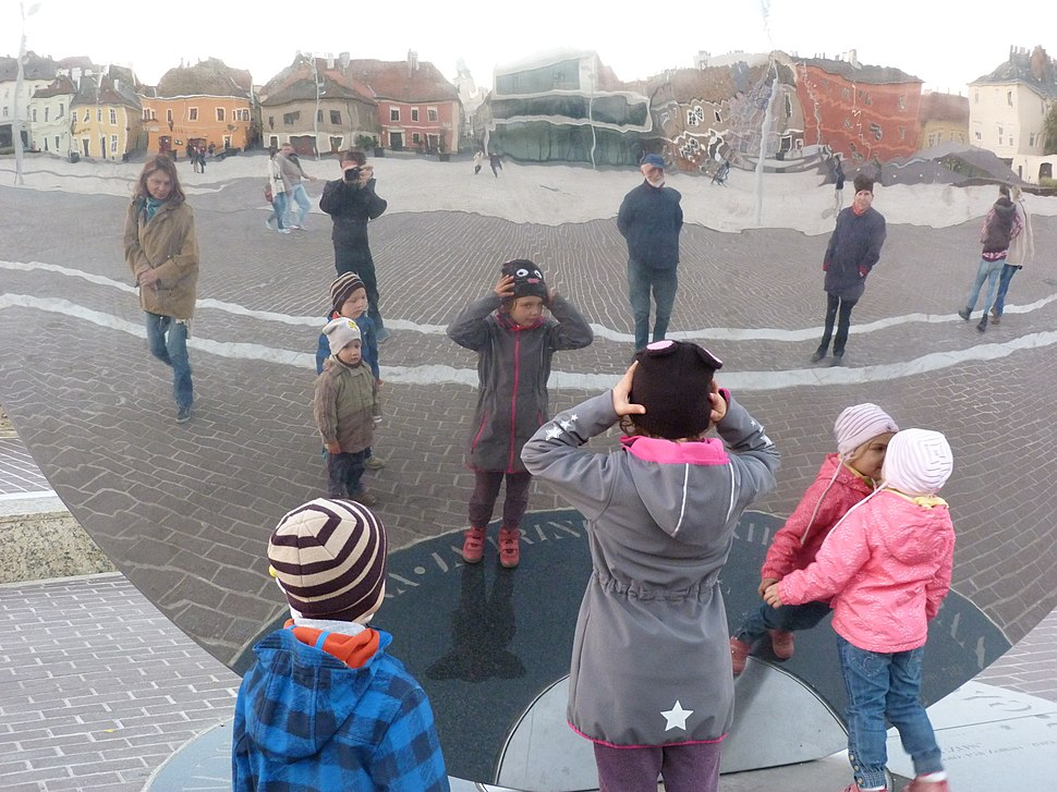 Mirror statue - Győr, 2015.10.31