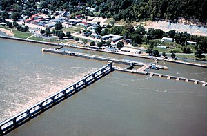 Mississippi River Lock and Dam number 24.jpg